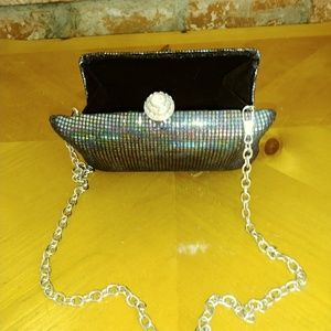 EXPRESS NYC CLUTCH/SHOLDER PURSE